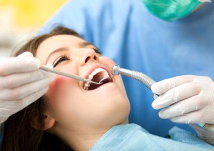 PERIODONCIA Tratamientos destinados a sanear, recuperar y mantener la encía y su unión al diente, en CLÍNICA DENTAL CIURANA, CASTELLDEFELS